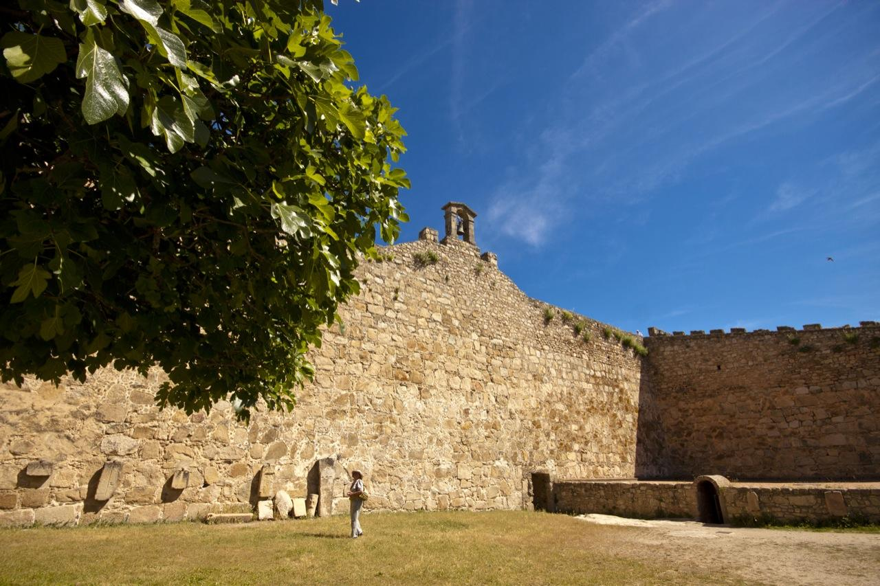 castle-trujillo-02